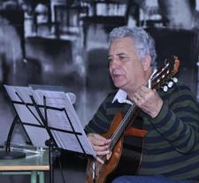 Foto de Jesús González durante su actuación