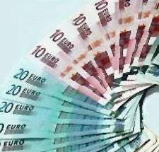 Foto de billetes de 10 y 20 euros