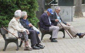 Mayores sentados